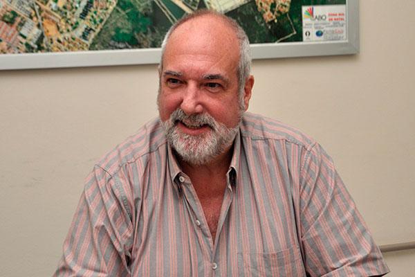 Cláudio Alvarez, da Cabo Telecom, analisa o mercado, mudanças no perfil do consumidor e fala também em 'crescimento permanente' no negócio internet