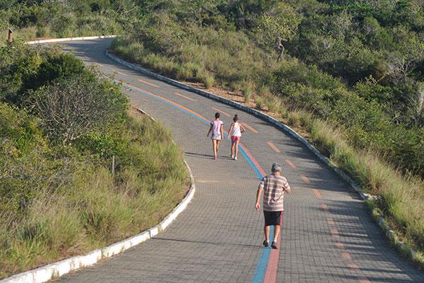 A estrutura do parque permite ainda caminhadas e corridas