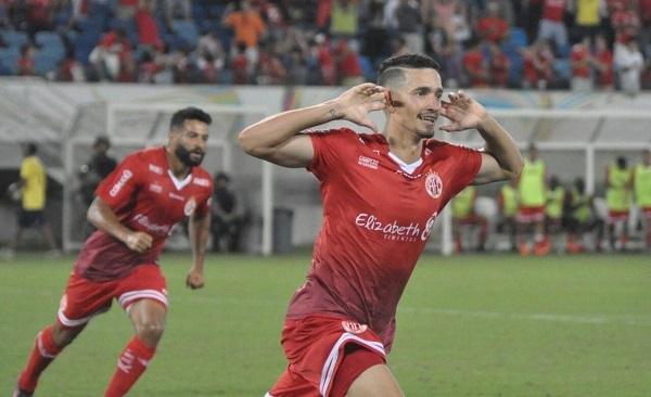 Danilo marca e América vence Sergipe por 3 a 2