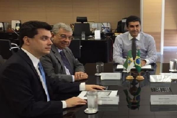 O deputado Walter Alves, esteve em reunião com o senador Garibaldi Alves e o ministro Helder Barbalho