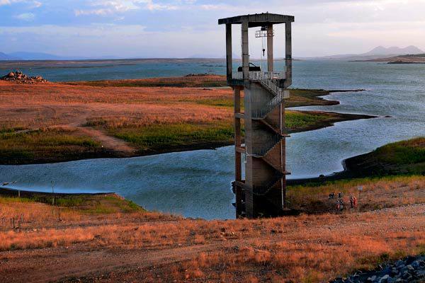 Barragem Armando Ribeiro, abastecida pela bacia Piranhas-Açu, está com 18,05% de sua capacidade
