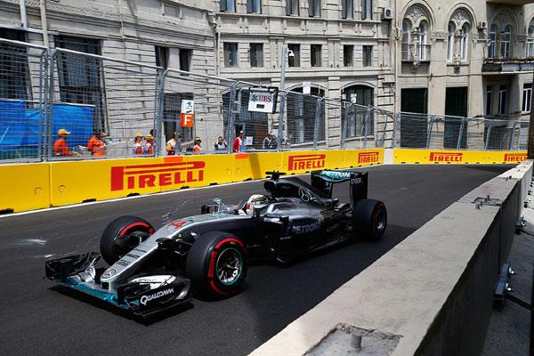Lewis Hamilton é o pole position do GP do Azerbaijão de Fórmula 1