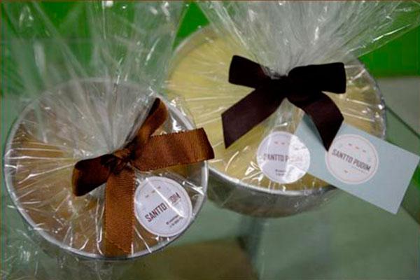 Um mino extra: pudins são comercializados na própria forma personalizada