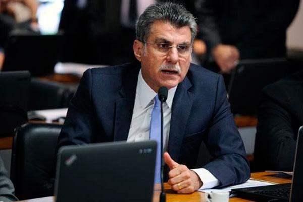 Romero Jucá defende número de senadores entre os critérios