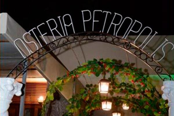 Osteria tem visual charmoso e decoração rústica, como as cantinas italianas