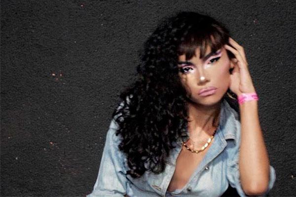 A drag queen Potyguara Bardo vai animar o baile da Enigma