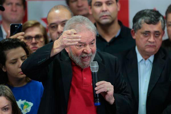 """Luiz Inácio Lula da Silva aponta que há """"objetivo político"""" na condenação do juiz Sérgio Moro"""