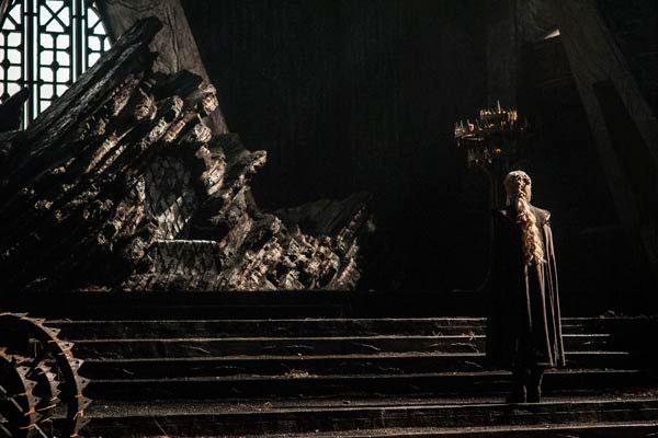 Daenerys Targeryen (Emília Clarck) viaja rumo a Westeros