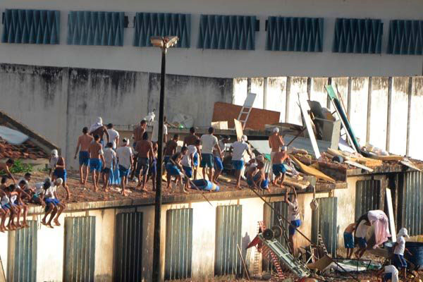 Rebelião ocorrida há seis meses, destruiu completamente a maior penitenciária do Estado