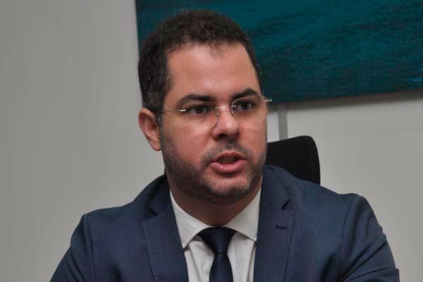 Cristiano Feitosa defende uma reforma no estatuto do servidor público e diz que um dos pontos seria substituir a estabilidade por outras garantias