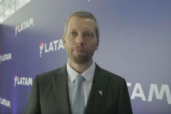 O presidente da companhia aérea Latam, Jerome Cadier, fala sobre a crise política no Brasil, os impactos na empresa e a concorrência no setor