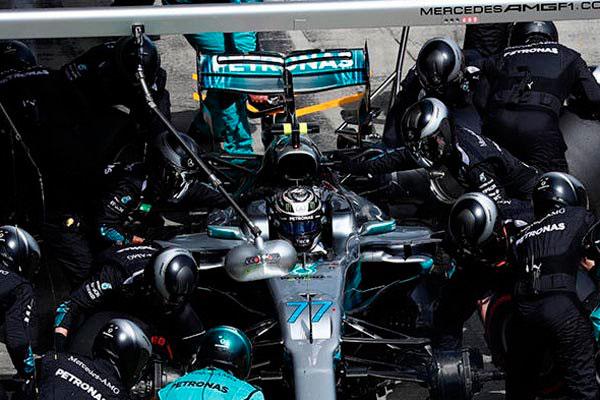 O piloto da Mercedes perdeu cinco posições no Grid de largada por ter tido problemas no carro
