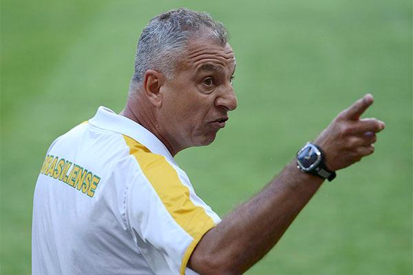 Novo técnico vai encontrar o time já em Criciúma, onde é o próximo jogo
