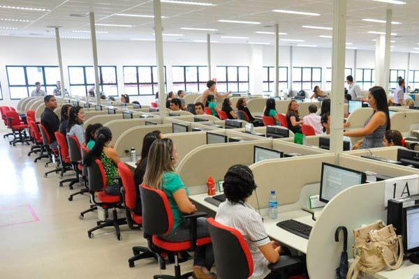 Entre janeiro de 2013 e junho deste ano, o RN foi o terceiro, na região Nordeste, a abrir o maior número de vagas na área de telemarketing, com 7.003 contratações (Foto: Adriano Abreu)