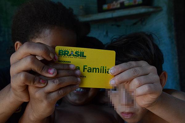 Resultado de imagem para Bolsa Família: fila de espera é zerada e 828 mil famílias passam a receber o benefício