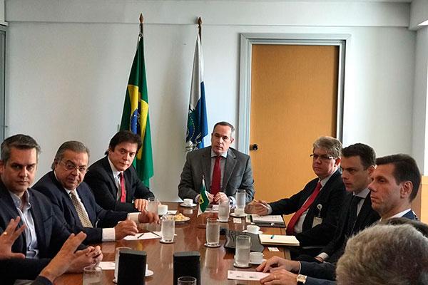 Robinson esteve ontem reunido com Décio Oddone, diretor da ANP