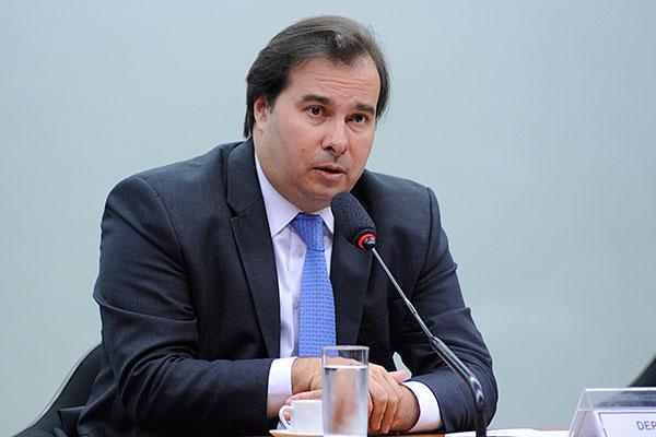 Rodrigo Maia admite que, para votar a reforma da Previdência, é preciso ampliar os apoios