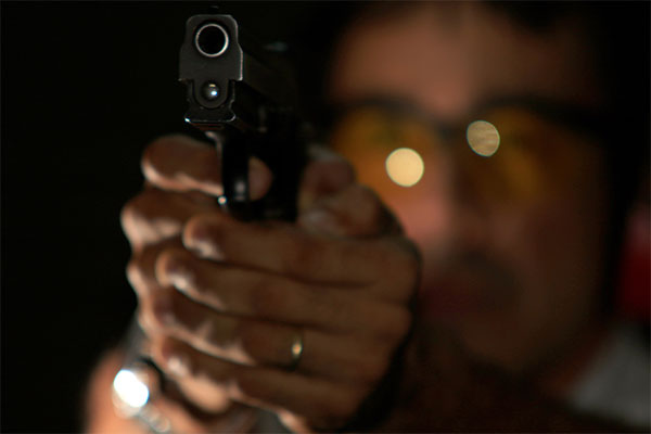 Criadas para defender militares em combate, as armas de fogo são hoje o principal agente causador de mortes violentas no Brasil