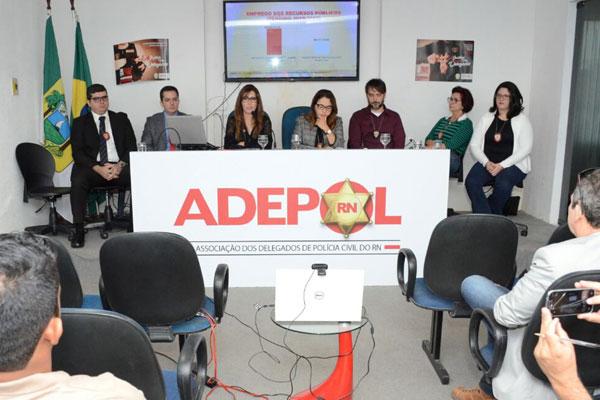 Resultado de imagem para adepol lança campanha e critica governo