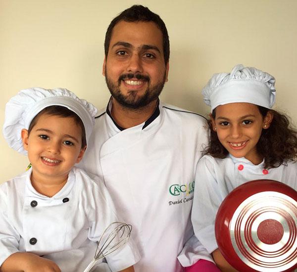 Chef Thiago Cavalcanti com os filhos: Ensinamentos na cozinha