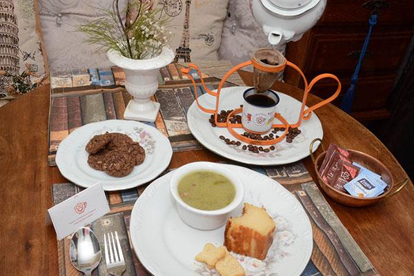 Machado Cafeteria e restaurante também tem receitas de pai