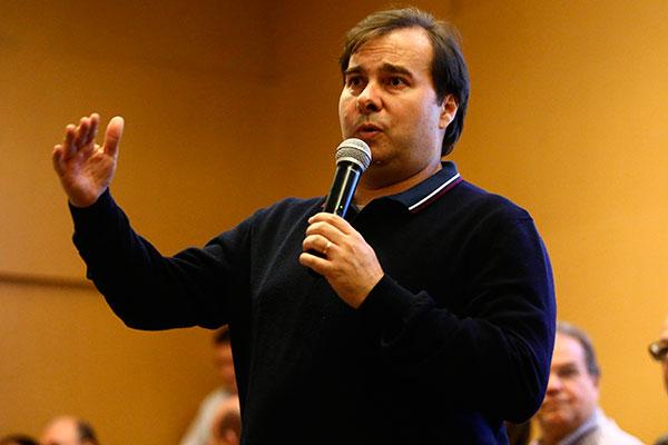 Presidente da Câmara dos Deputados, Rodrigo Maia diz preferir o modelo distrital misto