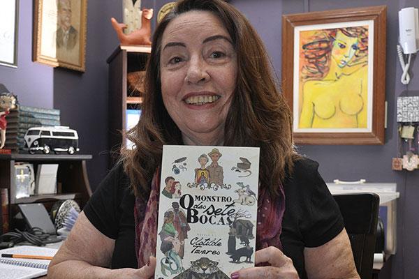 Clotilde Tavares | Escritora e atriz