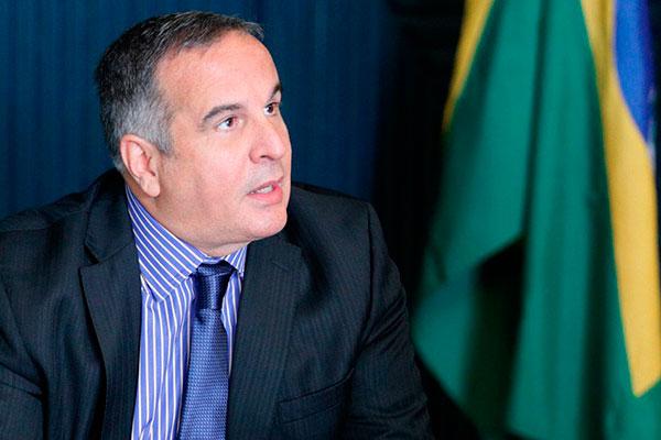 Murilo de Aragão discorda da criação de um fundo para campanhas, com recursos do orçamento