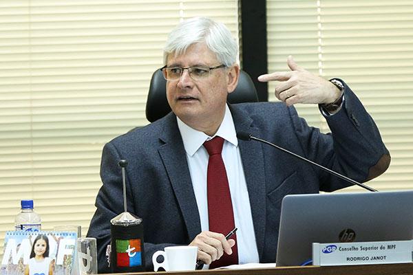 PGR denuncia Romero Jucá ao Supremo Tribunal Federal