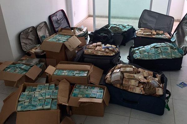 PF encontrou malas com dinheiro dentro de imóvel