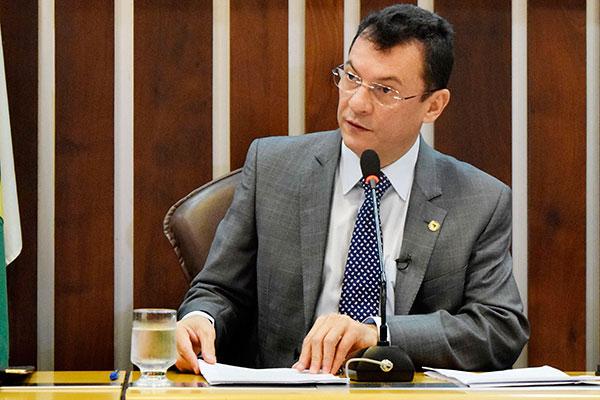Dison Lisboa defende a aprovação
