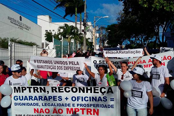 Rua onde funciona o Ministério Público do Trabalho foi interditada pela manifestação