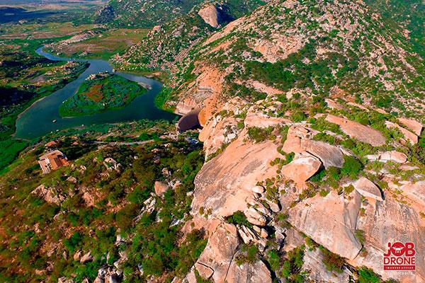 Açude Gargalheira, em Acari, acumula apenas 0,08% de água