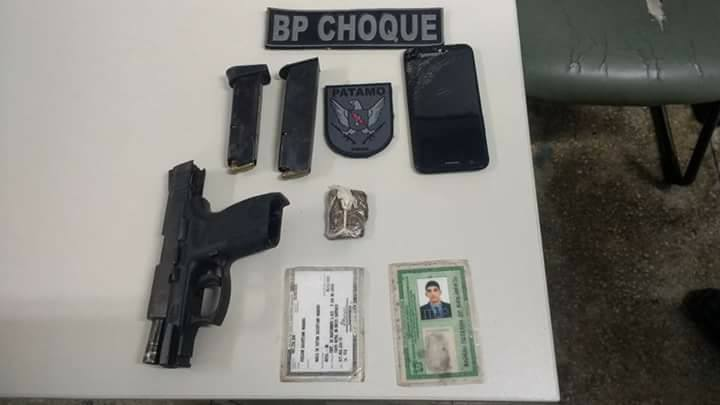 Armas dos criminosos foram apreendidas pelo BPchoque