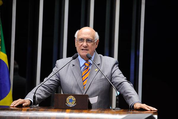 Lasier Martins afirma que o projeto define os critérios das avaliações de desempenho