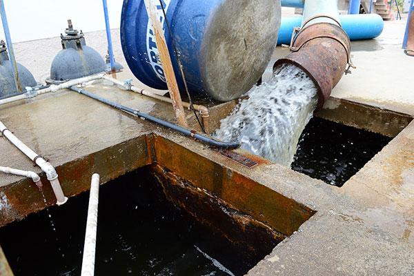 Em Acari, a estação de tratamento, que recebe água através da adutora emergencial Currais Novos, está funcionando sem problemas