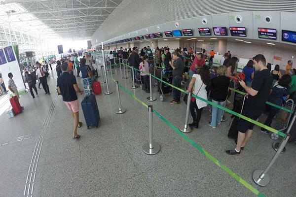 Pelo menos 35 mil passageiros deverão passar pelo terminal; maioria aproveitará folga prolongada