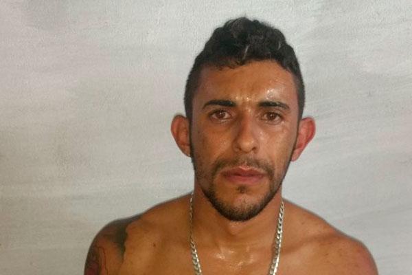 Romário Andrade Rodrigues, 26, foi preso em flagrante com 40kg de maconha
