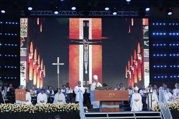 Missa celebrou os 300 anos da aparição da imagem de Nossa Senhora