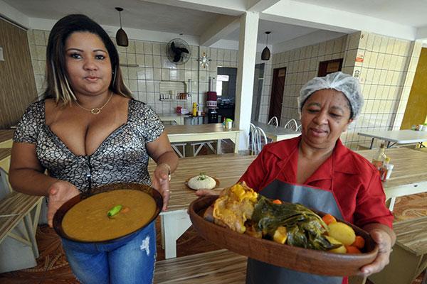Chef de cozinha, Flaviana França e Joana Maria