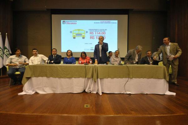 Bancada se reúne com prefeitos para discutir ajudar financeira do Governo Federal