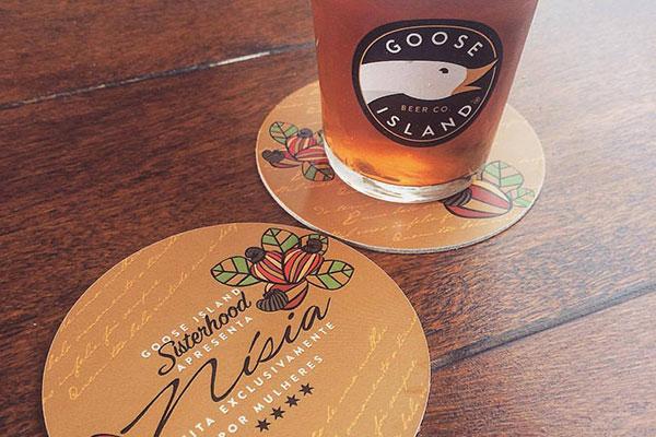 Goose Island Nísia é tipo bière de garde e possui toque de caju