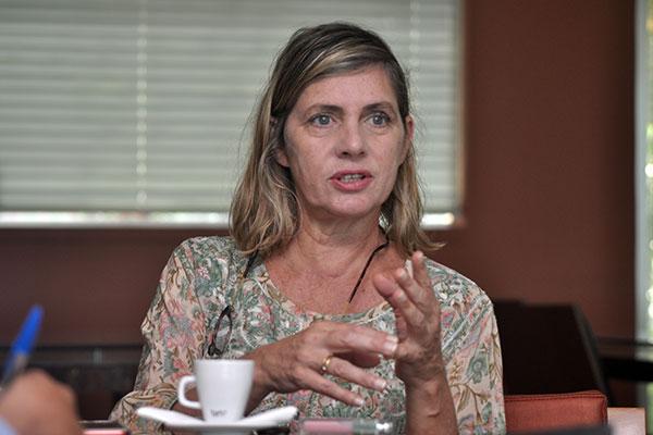 Carla Camurati: Muitas pessoas pensam a infância, mas poucos dispõem tempo para debatê-la. O fórum é um espaço para os participantes falarem das suas experiências