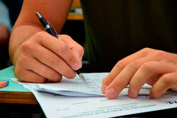 STF vai decidir sobre a questão judicial que anulou um dos critérios para correção da redação do Enem 2017