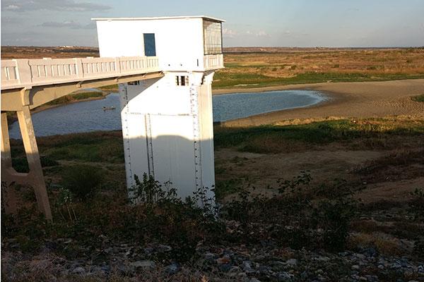 O açude Itans, em Caicó, tem capacidade de 81 milhões de m³. Está com menos de 1% da capacidade (volume morto). Situação idêntica a a 70% dos reservatórios do RN
