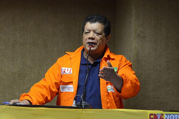 Para o presidente do Sindipetro, José Araújo, a situação da queda do investimento no Estado é preocupante