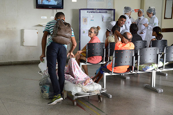 Com a greve dos servidores da Saúde marcada para dia 13/11, atendimentos serão reduzidos