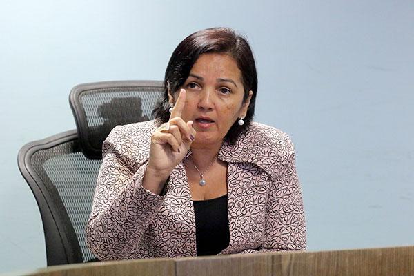 Sheila Freitas pediu que policiais retornem ao trabalho