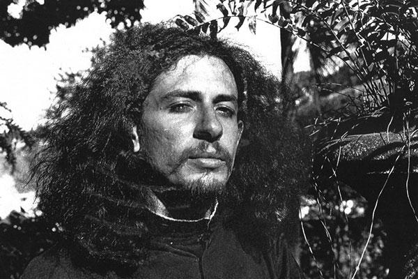 Filme e festivais literários revisitam vida e obra do poeta, Torquato Neto, morto aos 28 anos