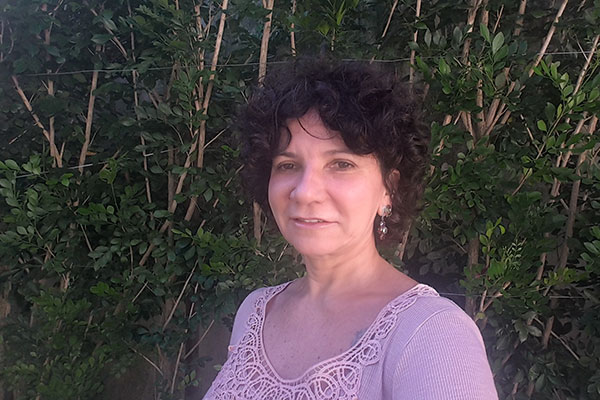 A jornalista e poeta, Marize Castro